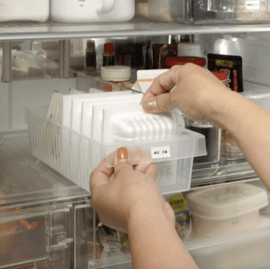 ごちゃつく冷蔵庫をスッキリ!ペットボトルや調味料の収納術