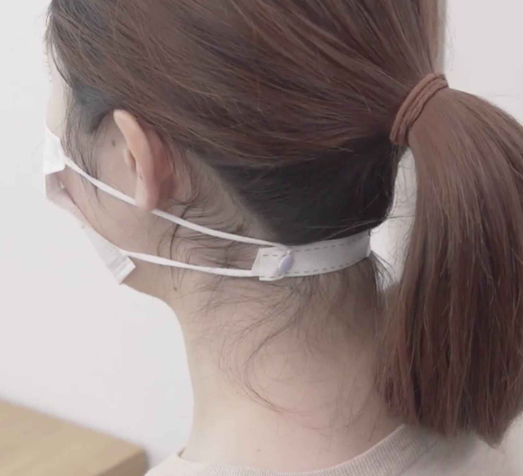 マスクのお悩み解決法!耳が痛いときの対策からメガネの曇り予防まで
