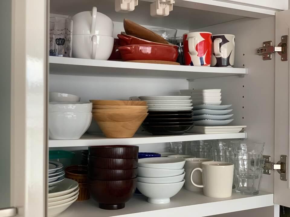 食器収納のコツは「選ぶ・分ける・スペース活用」おしゃれな実例集も