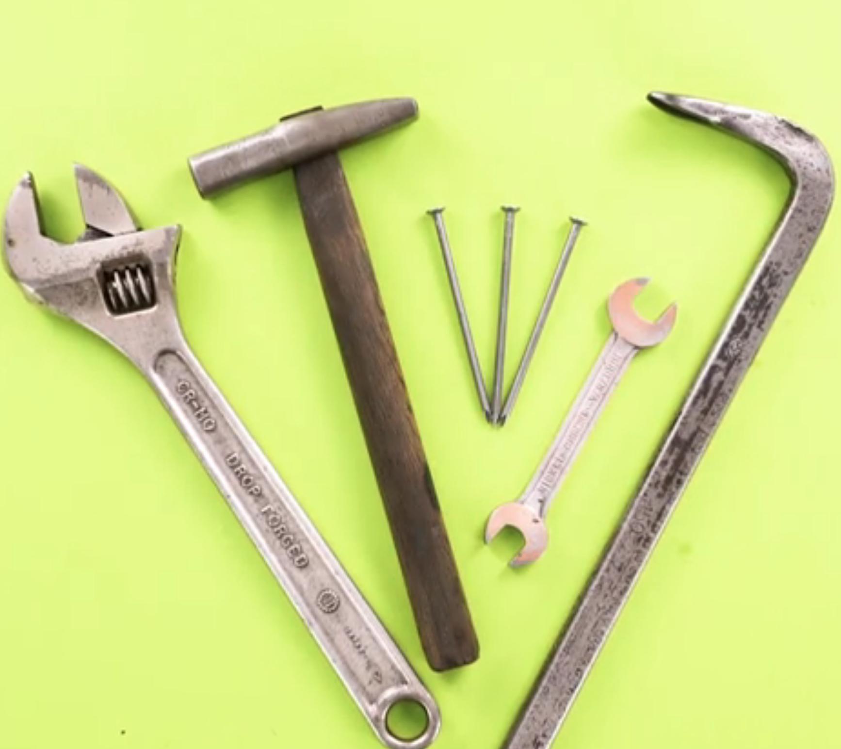 まるで新品!工具をピカピカにする「サビ取りアイデア」3選