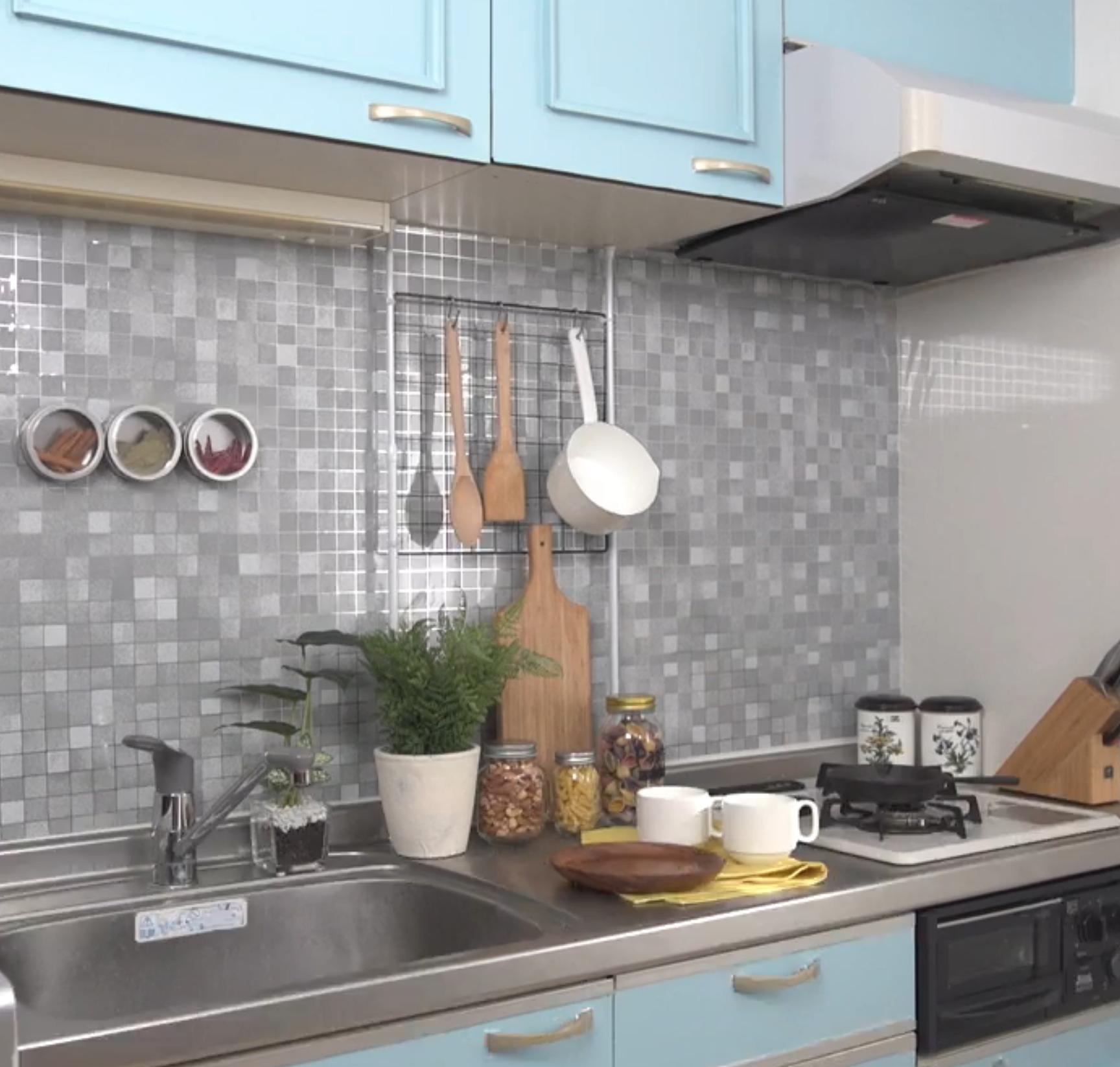 賃貸のキッチンをおしゃれにdiy♪ 素敵なリメイク術を動画で公開