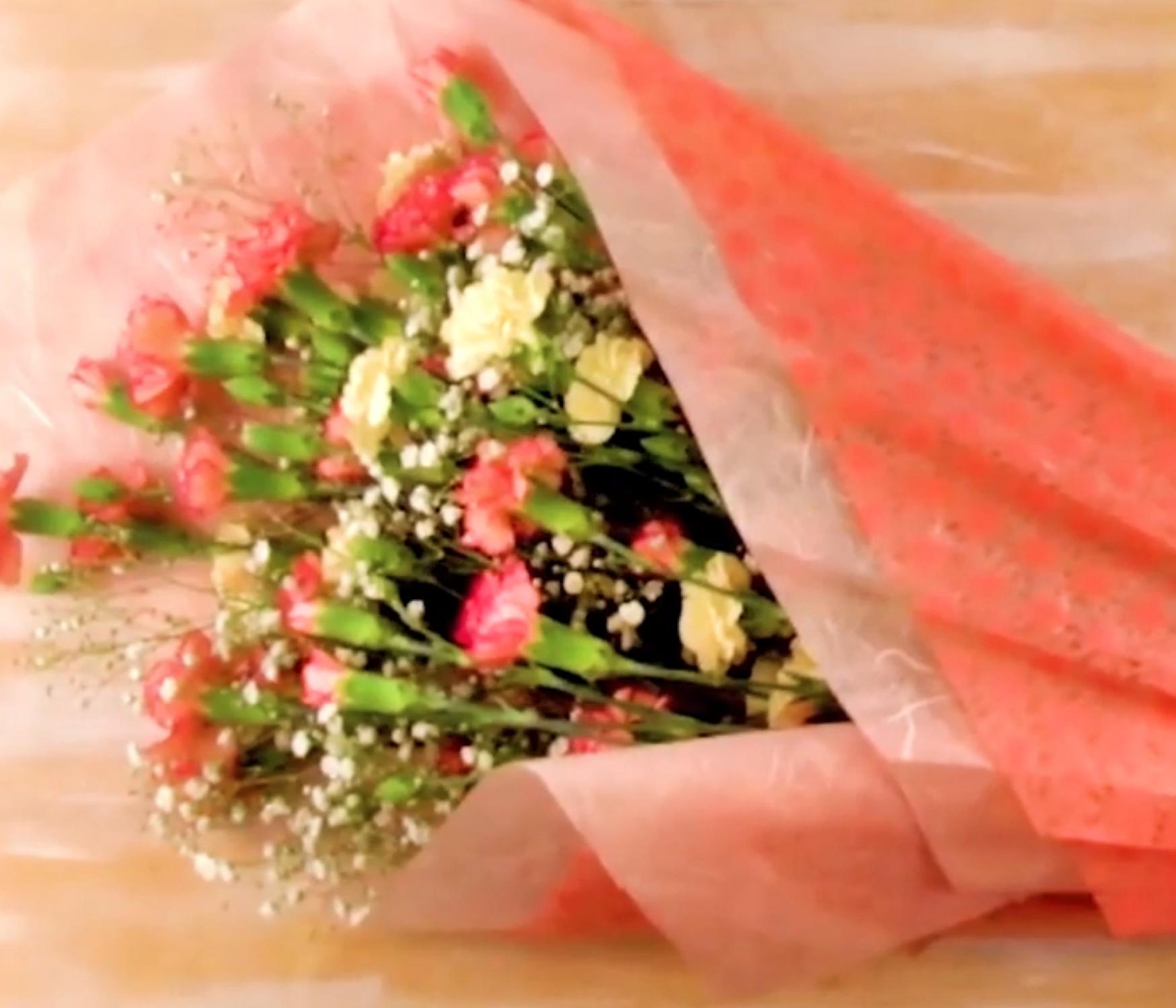 記念日に贈りたい。自分でできる「花束のラッピング方法」