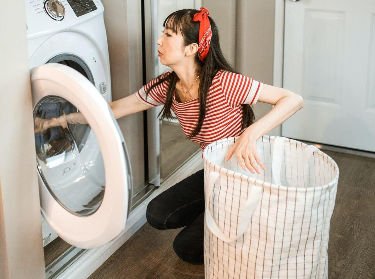 正しい洗濯のやり方。柔軟剤や漂白剤のメリットや使い方も紹介