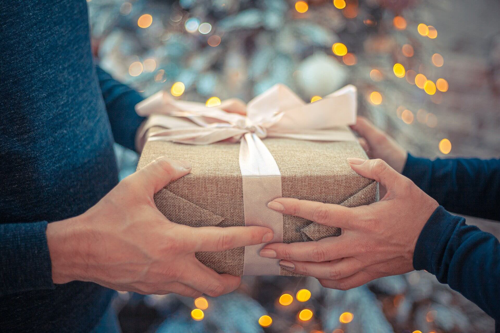 プレゼントを手作りする際のアイデア。既製品にないメリットと注意点