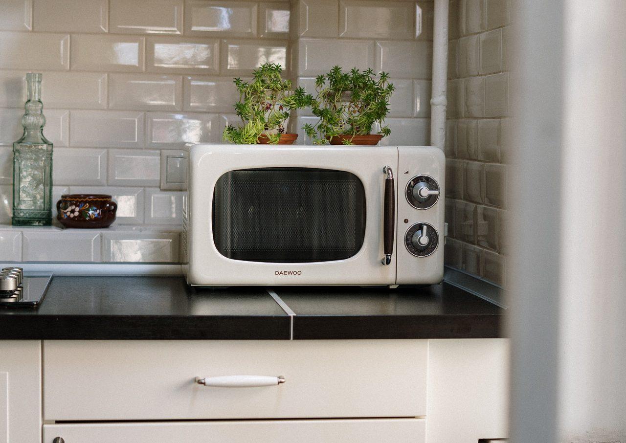 1人暮らし用の電子レンジとは。種類や選び方、おすすめの商品を紹介