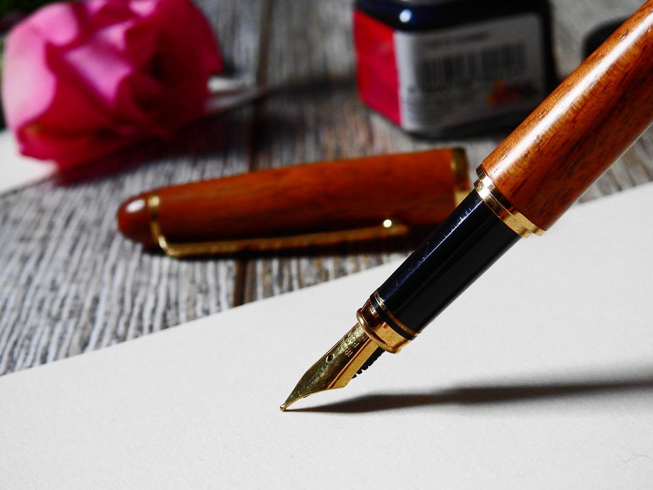 万年筆のインク選びのポイントは?種類や使い方、おすすめも紹介