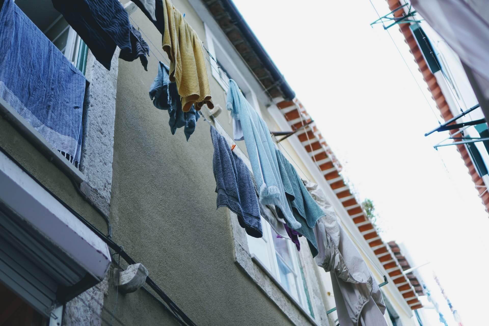 陰干しのやり方とは?いまさら聞けない洗濯の基礎知識をチェック