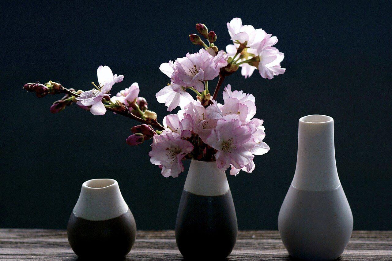 花瓶の選び方とは?種類や花を長持ちさせる方法、おすすめ商品も紹介