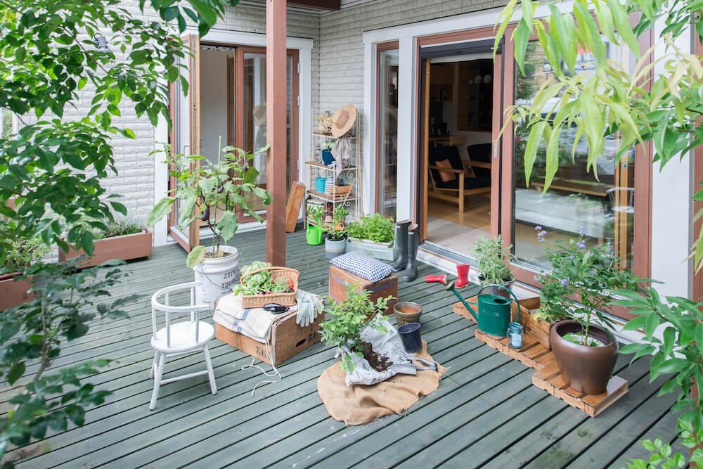 北欧の木をふんだんに使ったおうち、スウェーデンハウスでガーデニング