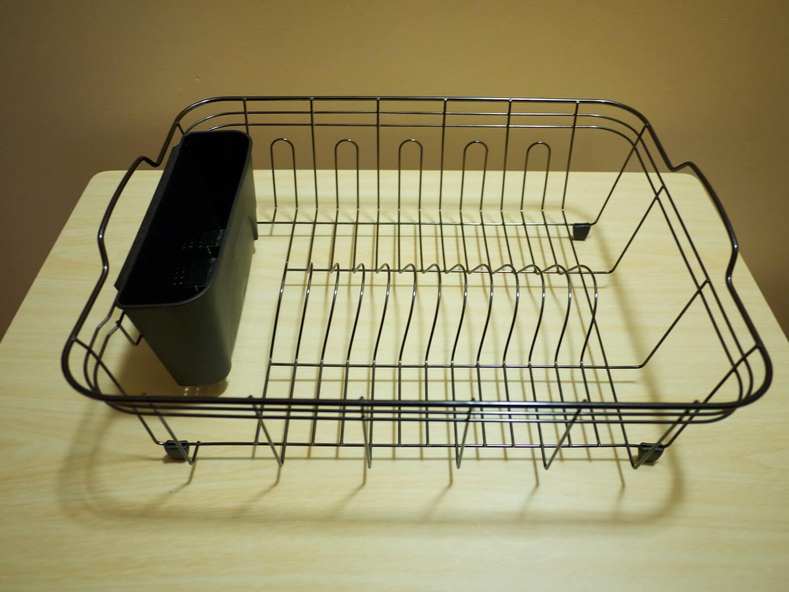 キッチンに水切りかごを置かない方法を紹介。代用品でスッキリ空間に