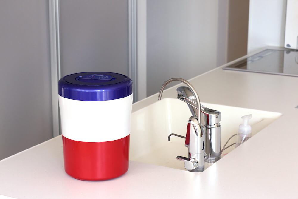 生ごみ処理の悩みはコレで解消!ごみ出しもラクちんになる「生ごみ減量乾燥機」