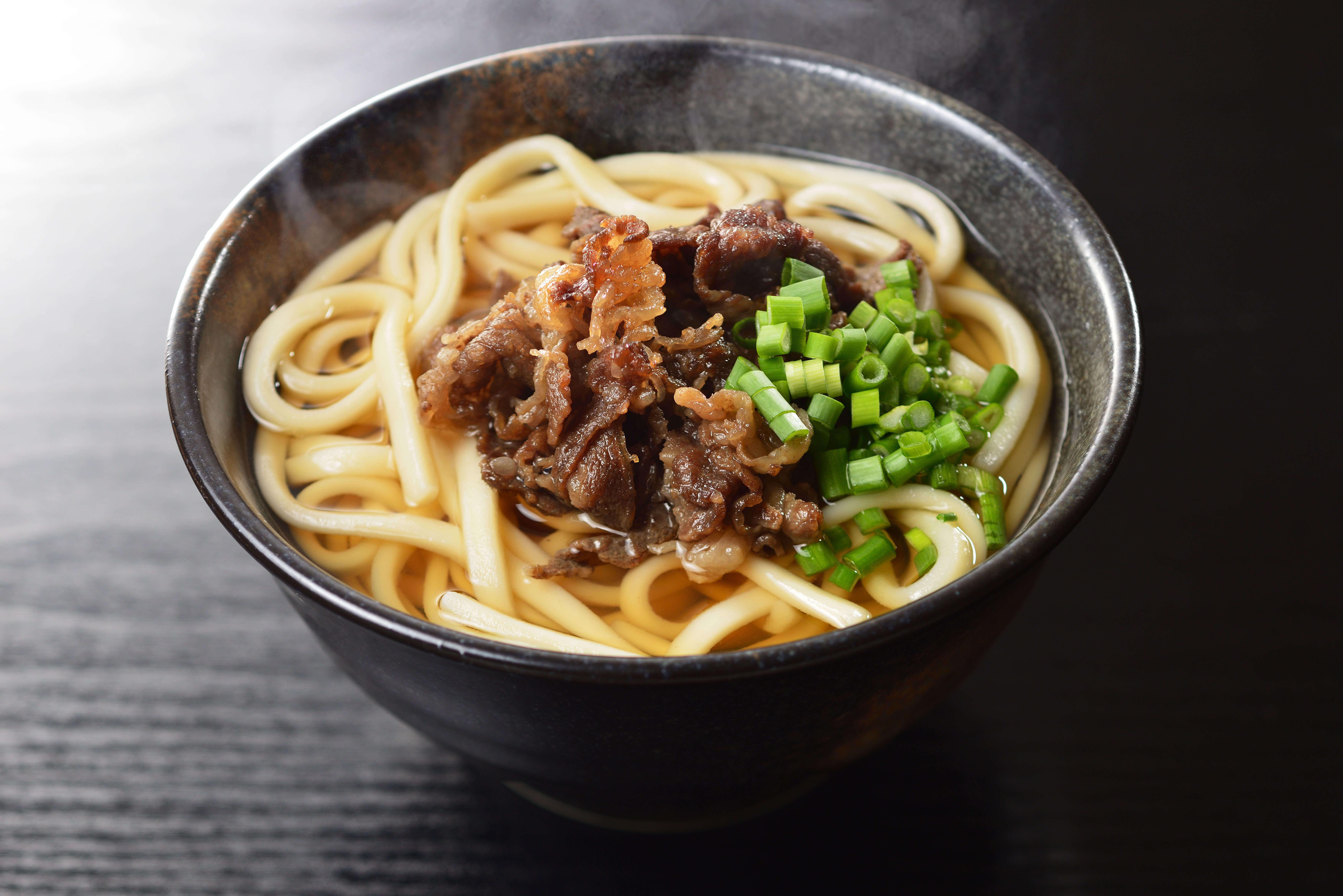 あの歌手もおすすめ!大阪で何度でも食べたくなる絶品うどんランキング5!