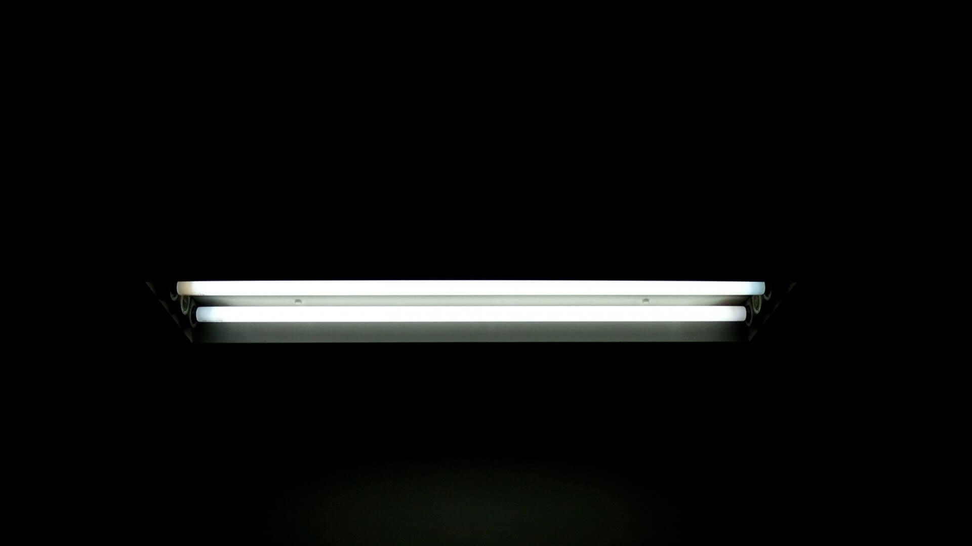 蛍光灯はどうやって処分する?正しい方法と注意点を詳しく解説
