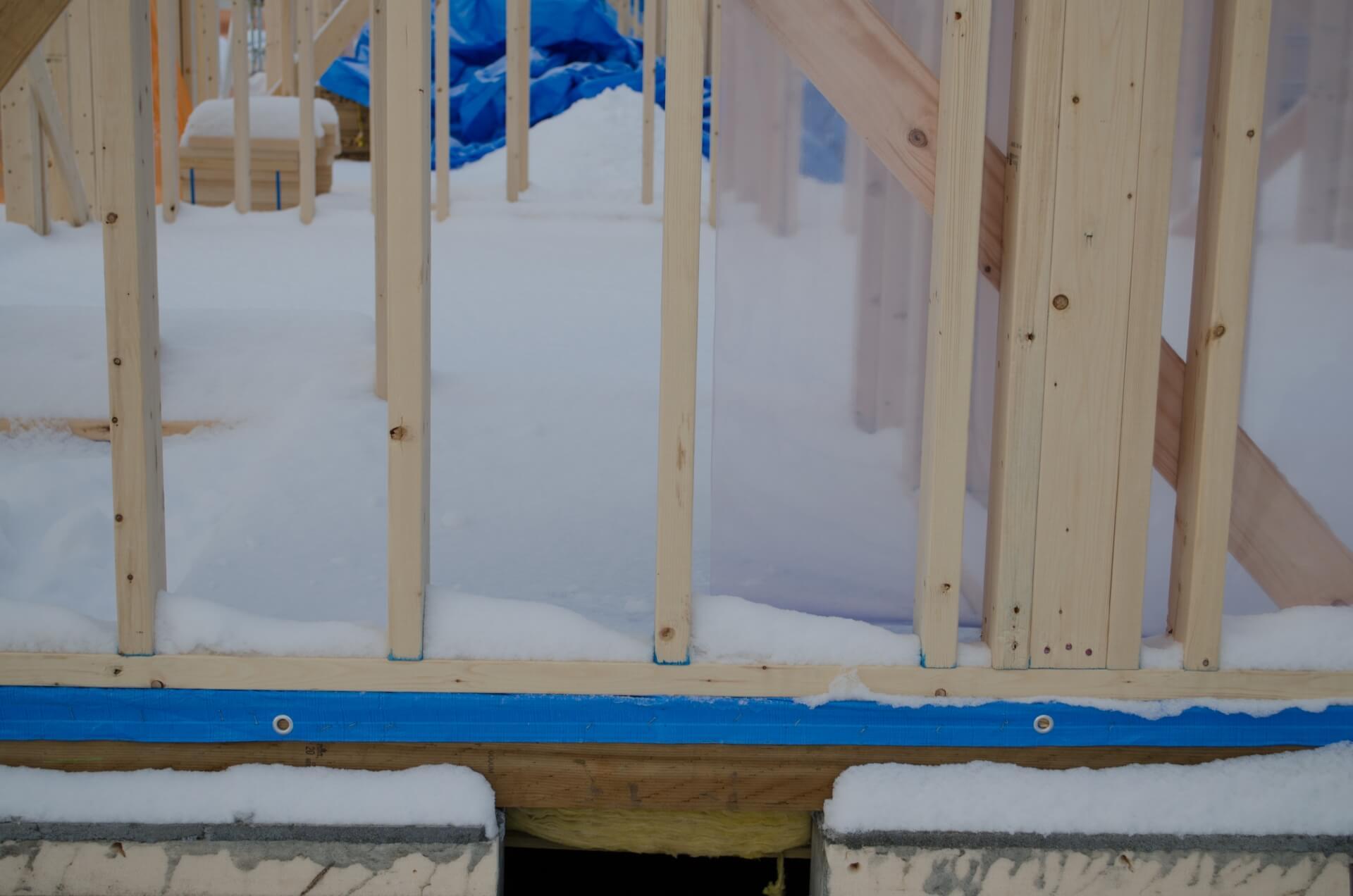 窓用断熱シートの選び方。おすすめ商品や上手な貼り方を紹介
